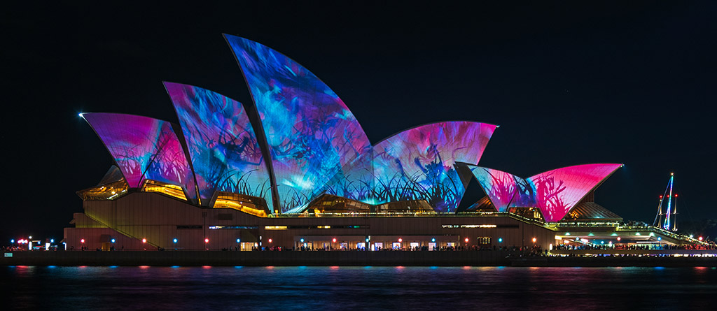 Vivid Sydney 2021 | Catch the Vivid Lights Onboard a Luxury Harbour Cruise