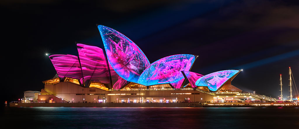 Experience the Brilliance of Vivid Sydney 2021 with Vivid Sydney Cruises